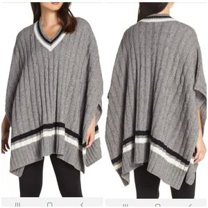 "UGG ""Weslynn"" Poncho Sweater in Gray, Size Small"